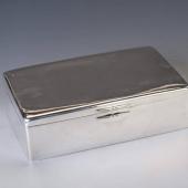 Ezüst nagyméretű art deco doboz