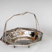 Ezüst szecessziós kosár alakú kínáló